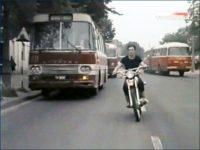 """ul. Bielska - kadr z filmu """"Zielona miłość"""""""