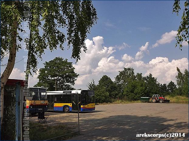 Tymczasowy parking na pętli Kostrogaj