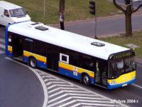 Solaris #645 bez czerwonego paska z przodu. Jednocześnie były to ostatnie autobusy z białym pasem pod oknami.
