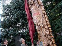 Odsłonięcie pomnika na terenie zajezdni