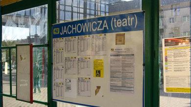 tablica na przystanku Jachowicza (teatr) 05