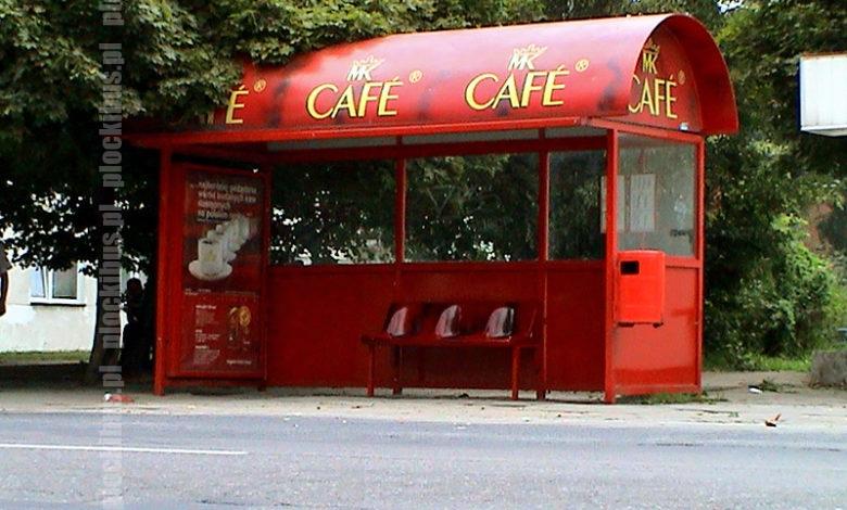 Wiata typu MK Cafe na przystanku Pszczela