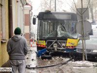 Wypadek z udziałem Solarisa #695 (źródło: Portal Płock)