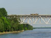 MAN na moście Legionów Józefa Piłsudskiego, w tle most Solidarności