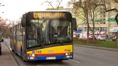 Solaris #749 rozpoczyna kurs na linii 120 do Staroźreb