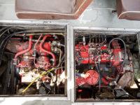 Silnik Ikarusa dostępny po zdjęciu klap w podłodze
