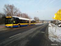 Autobus linii nr 3 na tymczasowym przystanku końcowym Botaniczna