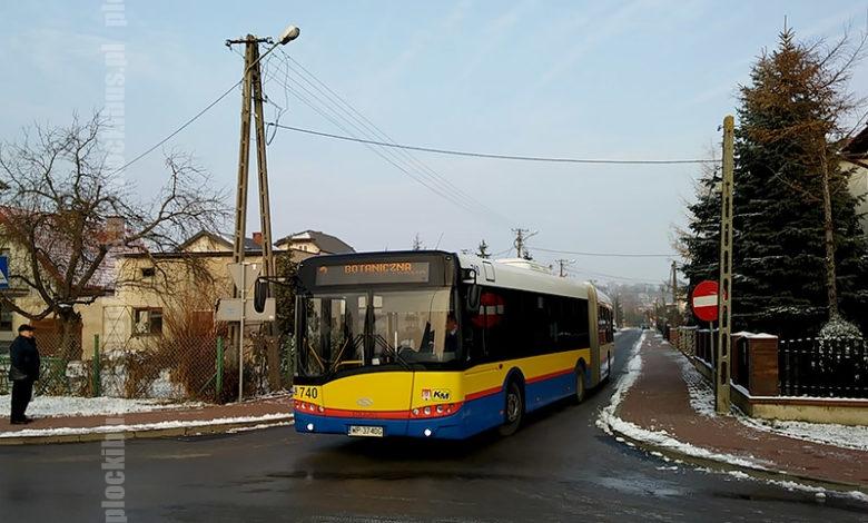 Autobus linii nr 3 na ul. Cedrowej