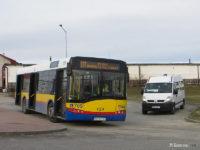 Autobus linii 111 i bus komunikacji gminnej na pętli w Starych Proboszczewicach