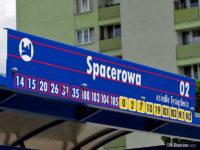 Tablica na wiacie na przystanku Spacerowa