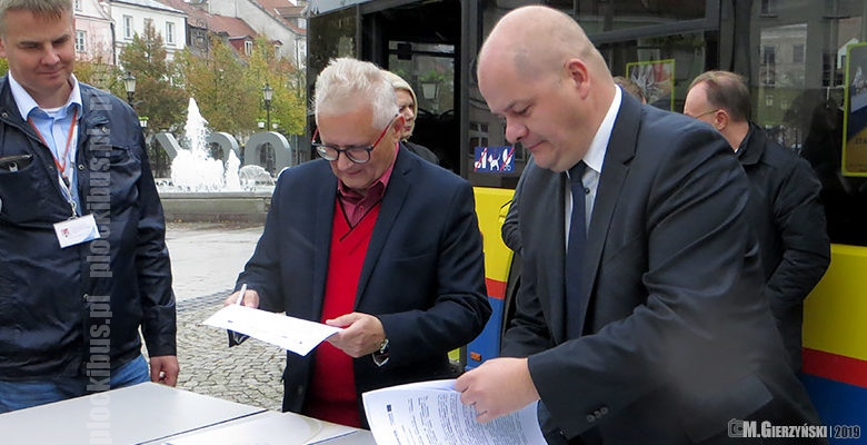 Photo of Umowa na 4 nowe Solarisy podpisana