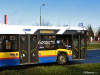 Udekorowany autobus z okazji jubileuszu