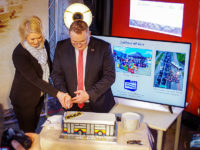 Urodzinowy tort w kształcie autobusu. Foto: KM-Płock