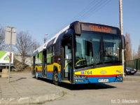 Autobus linii nr 2 na tymczasowej pętli Radziwie, wiadukt (dla kursów skróconych)