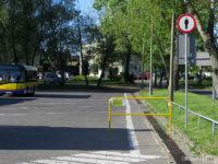 Zakaz ruchu pieszych po terenie pętli