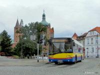 Autobus linii nr 2 na pl. Narutowicza