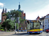 Autobus linii nr 7 na pl. Narutowicza