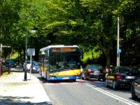 Autobus linii nr 43 na ul. Mostowej